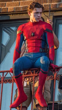 Tom Peters, Tom Holand, Tom Holland Peter Parker, Men's Toms, Tommy Boy, Cute Boys, Homecoming, Sexy Men, Husband