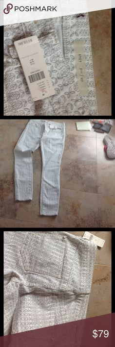 Anthropology Pilcro and The Letterpress Ankle Gorgeous jeans in a JUST off white with grayish design. Fab pants! Size 27ankle price now firm. Jeans Skinny