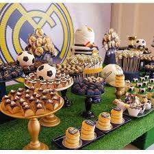 Resultado de imagem para real madrid festa infantil Cool Cake Designs, Soccer Party, Husband Birthday, Amazing Cakes, Gabriel, Ideas Para, Biscuits, Sweets, Bar