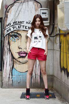 Model : Ryeon Chae Eun (Freelance based in Seoul)