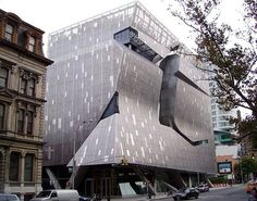 CJWHO ™ (Thom Mayne's $111 million New Academic Building)
