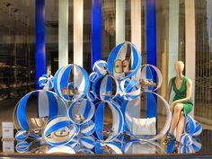 LK Bennett, London, beach carnival, pinned by Ton van der Veer Pop Display, Visual Display, Display Design, Visual Merchandising Fashion, Merchandising Displays, Retail Windows, Store Windows, Pantone, Bleu Indigo
