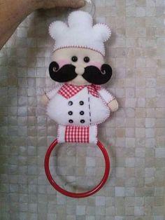 Artesanato Em Feltro: Porta pano de prato Sewing Toys, Sewing Crafts, Sewing Projects, Felt Crafts, Diy And Crafts, Arts And Crafts, Felt Christmas Decorations, Christmas Stockings, Felt Toys