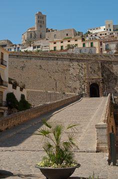 Entrance to Ibiza Old Town Menorca, Eivissa Ibiza, Ibiza Formentera, Ibiza In May, Ibiza Island, Ibiza Travel, Ibiza Town, Spain Culture, Bali