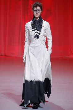 http://www.vogue.com/fashion-shows/spring-2017-ready-to-wear/aganovich/slideshow/collection