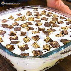 Serves Ingredients 1 Box Yellow Cake Mix or Angel Food Cake Mix 1 Lg Pkg. Cake Filling Recipes, Cake Recipes, Dessert Recipes, Iced Tea Recipes, Sweet Recipes, Proper Tasty, Creme Dessert, Cake Fillings, Chocolate Desserts
