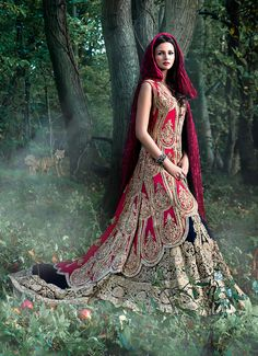 Mongas | Traditional bridal outfit #exquisite https://facebook.com/punjabisboutique  Pinterest : @nivetas
