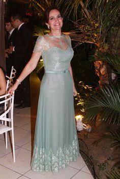 Resultado de imagem para vestido mãe da noiva plus size cores pasteis
