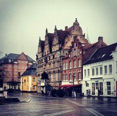 #Aalborg #Denmark #Dinamarca Aalborg, Stuff To Do, Travel Europe, Danish, Building, Places, Drinks, Holiday, The World