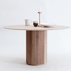 Dugfrisk designfavorit fra svenske @asplundcollection #ellledecorationdk #stockholmdesignweek2018 #palaistable
