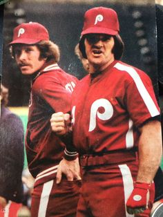 Mike Schmidt & Pete Rose - Phillies all red unis Phillies Baseball, Baseball Star, Sports Baseball, Baseball Players, Pirates Baseball, Angels Baseball, Sports Pictures, Baseball Cards, Mlb Uniforms
