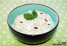 Salsa de yogur, cilantro y guindilla