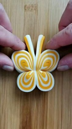 Amazing Food Decoration, Amazing Food Art, Cake Decorating Videos, Cake Decorating Techniques, Fondant Flower Tutorial, Decoration Patisserie, Pastry Design, Food Art For Kids, Bread Shaping