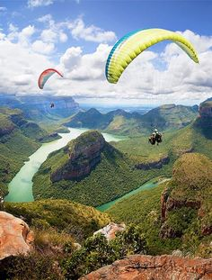 Paragliding in Blyde River Canyon - South Africa (Cal Redback) Oh The Places You'll Go, Places To Travel, Travel Destinations, Places To Visit, Silvester Trip, Destination Voyage, Paragliding, Africa Travel, Adventure Is Out There