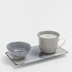 Image of the product TWO-TONED STRIPED PORCELAIN BREAKFAST SET