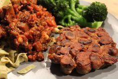 Aubergineratatouille med veganske svampebøffer