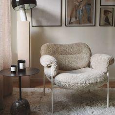 Apartment Interior, Apartment Living, Stockholm Apartment, Dream Home Design, Bedroom Vintage, Take A Seat, Dream Decor, Home Decor Items, Scandinavian Design