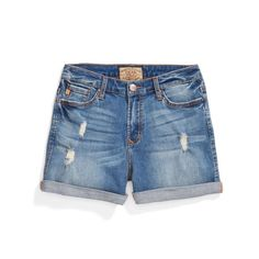 **** Dear John distressed denim shorts.  You want the perfect pair of jean shorts?  Here they are!  Stitch Fix Fall, Stitch Fix Spring 2016 2017. Stitch Fix Fall Spring fashion. #StitchFix #Affiliate #StitchFixInfluencer
