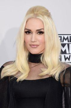 Gwen Stefani at the 2015 American Music Awards. http://beautyeditor.ca/2015/11/24/american-music-awards-2015