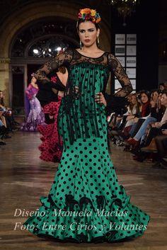 Entre cirios y volantes - Blog de moda flamenca donde podrás encontrar las crónicas de los desfiles, editoriales y todas las tendencias para vestir de flamenca.