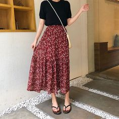May 2020 - [Korean Style] Chiffon Floral Mermaid Long Skirt – Ordicle Cute Casual Outfits, Pretty Outfits, Summer Outfits, Korean Outfit Summer, Casual Skirts, Trendy Dresses, Long Skirt Fashion, Modest Fashion, Long Skirt Style
