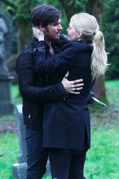 21 Times Emma and Hook Were Your Favorite Couple on Once Upon a Time