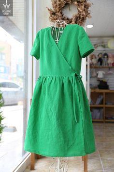 여밈셔링원피스여밈 셔링 원피스 은근 인기 많아요 브라운 잔꽃과 함께 주문주신 초록색 원피스 랍니다. 여...