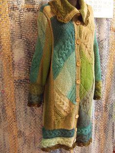 Пальто вязаное Лесная зелень. Handmade.