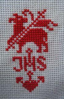 miscellanea: Osterhase und Osterlamm Christian Signs, Christian Decor, Christian Symbols, Crochet Placemats, Altar Cloth, Easter Cross, Filet Crochet, Embroidery Stitches, Cross Stitch Patterns