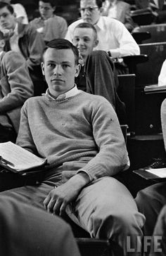 Classic Collegiate Preppy Inspiration for Bobby England Mode, New England Prep, New England Style, Teddy Boys, Rockers, Preppy Style Winter, Style Summer, Ivy Look, Ivy League Style