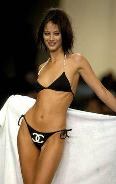 Classic Christy: Revisit the '90s With a Look Back at the Supermodel's Finest Runway Moments - Gallery - Style.com