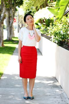 Colors! Pink & red together with teal shoes. Subtle because there is such a small amount of pink and teal. #colorblock