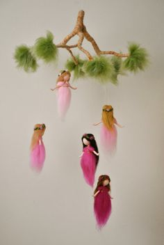 Nursery Mobile Waldorf inspired: The Pink Colors Wool Fairies in a branch Pink Things pink color magic Needle Felted Ornaments, Felt Ornaments, Rainbow Fairies, Spring Fairy, Felt Angel, Diy Cadeau, Wool Dolls, Felt Mobile, Pink Mobile