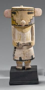 KACHINA Rugan (variante) Cotton wood, pigments Circa 1920 Ht 21,5 cm