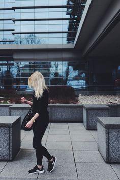 black nike roshe run outfit