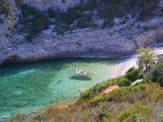 Taking it slow on the Croatian island of Vis | ISSA-