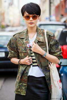 Extraordinary Plus Size Womens Fashion Old Navy Ideas Military Style, Military Fashion, Fashion Over 50, Women's Fashion, Berlin Street, Camo Skinny Jeans, Berlin Fashion, Womens Fashion For Work, Fashion Weeks