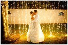 Decoração   Cortina de lâmpadas para o casamento   Casando Sem Grana