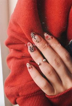 71 Fall Nail Designs to Fall in Love with: Fall Nails to Inspire 5 practical ways to apply nail polish without errors Es ist fast eine Prüfung, Nagellack r Love Nails, How To Do Nails, Pretty Nails, My Nails, Cute Fall Nails, Nail Design Spring, Fall Nail Designs, Minimalist Nails, Cute Acrylic Nails