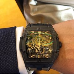 """""""By @thecarsonchan: The launch of Hublot X Bruce Lee Spirit of Big Bang Bruce Lee special edition #bracelee #hublot #bigbang #chronograph #bruceleefoundation only 75 pcs will be made. #watchcollector #watch #watchgeek #watchporn #womw #wotd #timepiece #horology #luxurylifestyle #marcuswatches"""" Photo taken by @marcuswatches on Instagram, pinned via the InstaPin iOS App! http://www.instapinapp.com (11/28/2015)"""