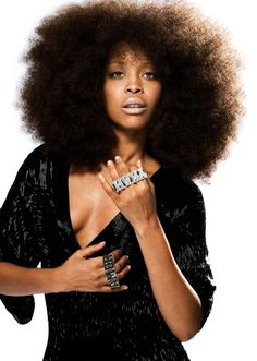 I'm about a year away from this size, but I never pick mine out. I fluff, but do not perform rough manipulation on my girl bc she is sensitive and deserves loving hands. That being said, it will take longer to achieve this look without the afro pick.