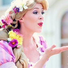 Rapunzel from Tangled Rapunzel Makeup, Rapunzel Costume, Disney Makeup, Rapunzel Face Character, Disney Face Characters, Tangled Cosplay, Disney Cosplay, Princess Makeup, Princess Rapunzel