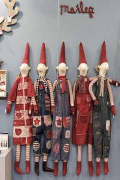 Amalie loves Denmark - Christmas and inspirations Formland Fair Christmas Crafts Sewing, Handmade Christmas Crafts, Woodland Christmas, Scandinavian Christmas, Christmas Gnome, Maileg Bunny, Fairy Dolls, Diy Doll, Christmas Decorations