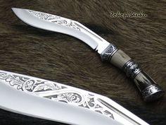 Toko Pisau Ku: Hunting Kukri Knife  Blade Material : D2 Steel  Handle Material : Stag horn + Ebony Wood