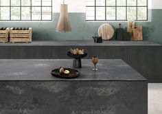Interior design guru Claire Zinnecker talks about the newest trends and her favorite Caesarstone color: Rugged Concrete! See how she envisions the newest colors in the kitchen and beyond. Kitchen Benchtops, Kitchen Countertops, Kitchen Island, Caesarstone Concrete, New York Loft, Concrete Kitchen, Concrete Stone, Farmhouse Lighting, Quartz Countertops