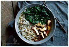 chinesische-nudelsuppe-mit-spinat-und-shiitake o. Knobi