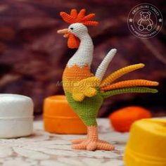 Amigurumi Gallo Crochet - Amigurumi X, Crochet Birds, Easter Crochet, Cute Crochet, Crochet Crafts, Yarn Crafts, Crochet Projects, Knit Crochet, Amigurumi Doll Pattern, Crochet Amigurumi