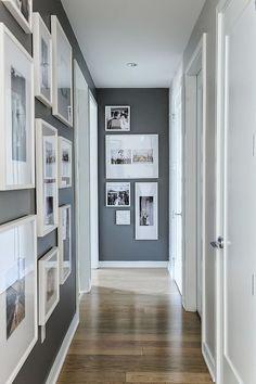 Trends Diy Decor Ideas : Décoration dun couloir gris avec des photos www.homelisty.com