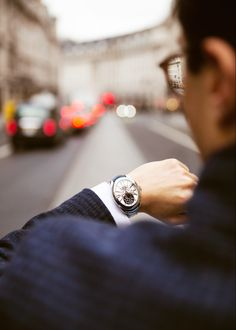 The elegant 𝐑𝐞𝐠𝐞𝐧𝐭 𝟏𝟔𝟎𝟗 𝐀𝐃 on Regent Street #BackesandStrauss #SteelCollection Ideal Cut Diamond, Diamond Cuts, Diamond Watches For Men, Swiss Luxury Watches, Man Crafts, Casual Watches, Signature Design, Steel, Elegant