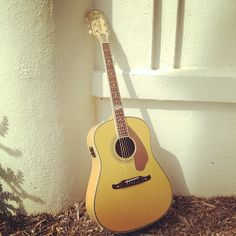 Ron Emory Loyalty Slope Shoulder Dreadnought #acoustics #fender #guitars http://www.fender.com/series/artist-design/ron-emory-loyalty-slope-shoulder-dreadnought-rosewood-fingerboard-vintage-sunburst/